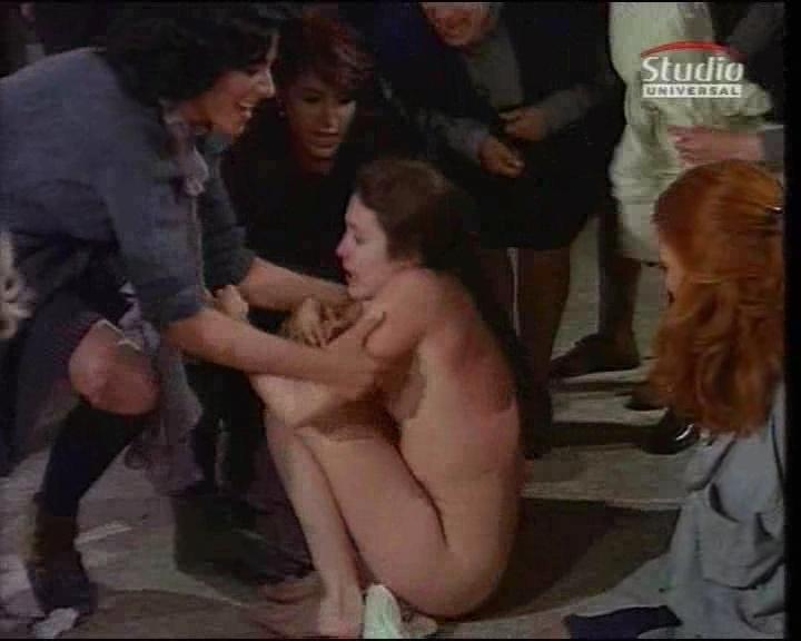 Women prisoners naked 13