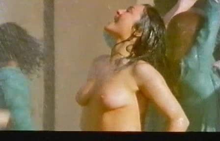 Eva Czemerys  nackt
