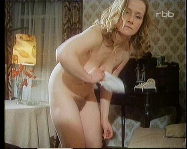 Ruth nackt Reinecke اكتشف أشهر